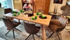 Tisch Eiche Natur mit Sessel Leder bezogen