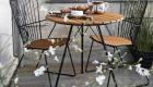 Gartenstühle mit Gartentisch